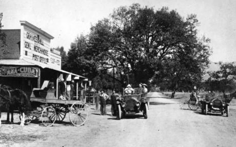 View of Topanga Canyon Boulevard in 1911..jpg